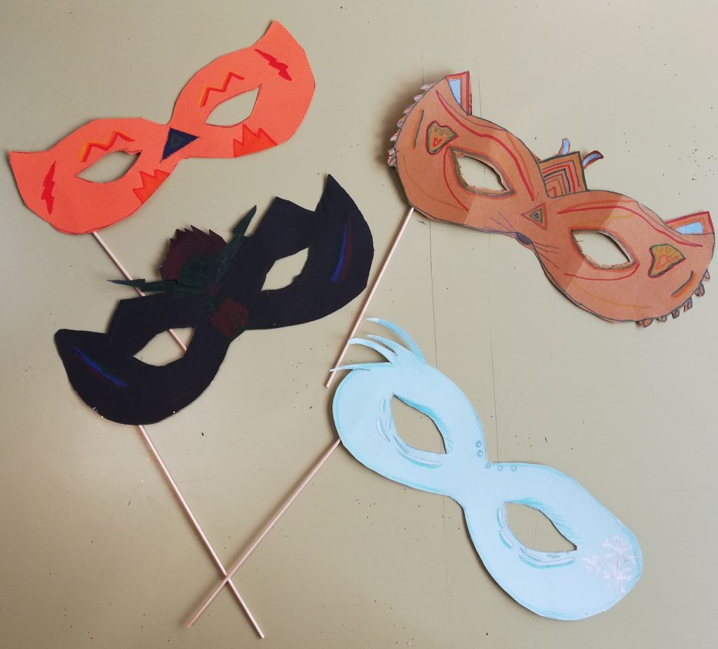 Manualidades de Carnaval de 4º de Primaria del Colegio Las Rosas de Madrid_4