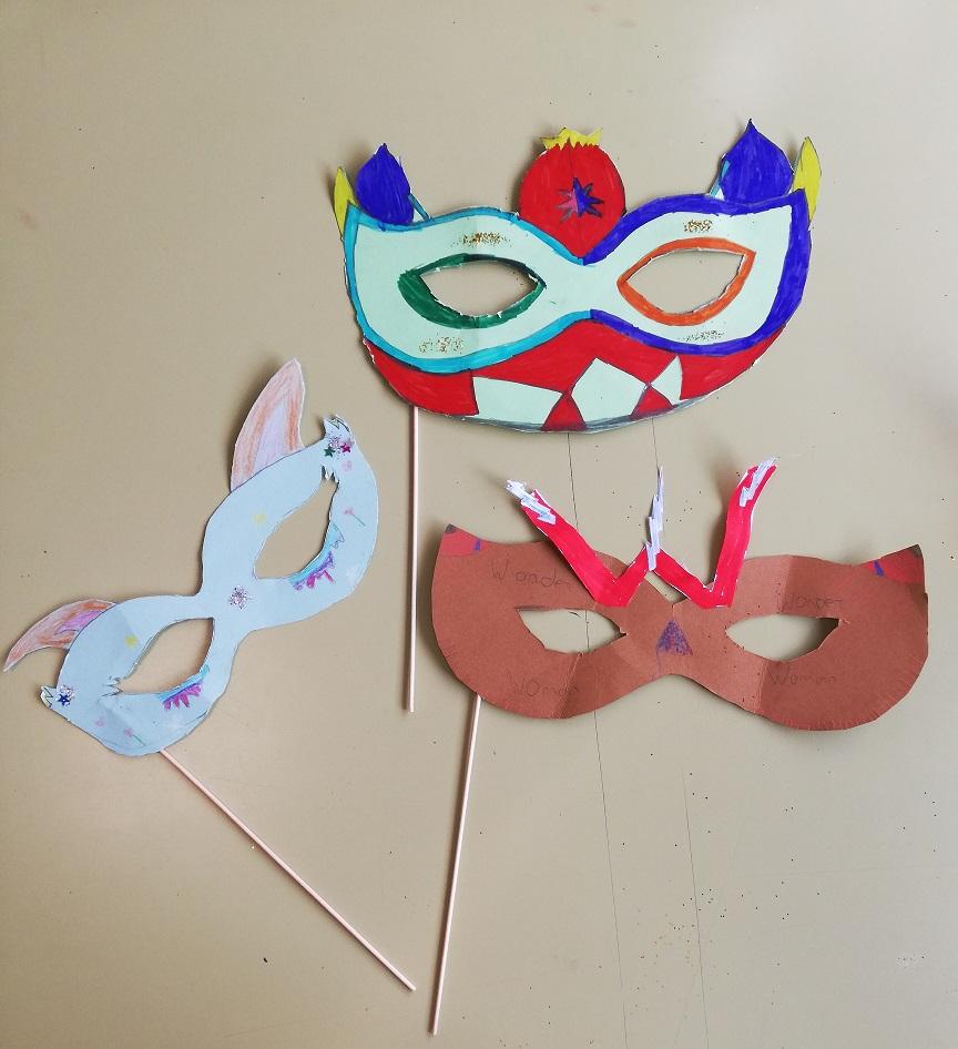 Manualidades de Carnaval de 4º de Primaria del Colegio Las Rosas de Madrid_6